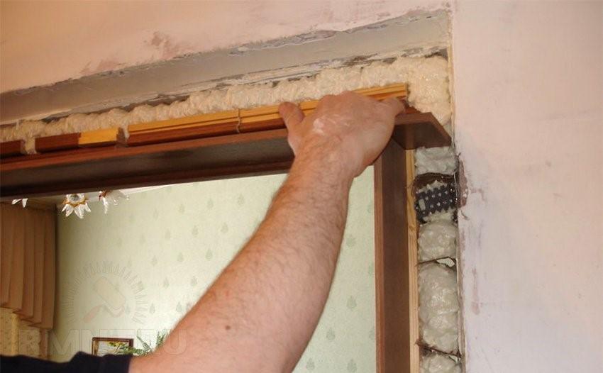 Утепление двери монтажной пенной