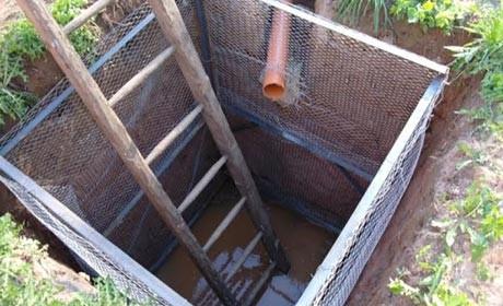 Подвод трубы в сливную яму
