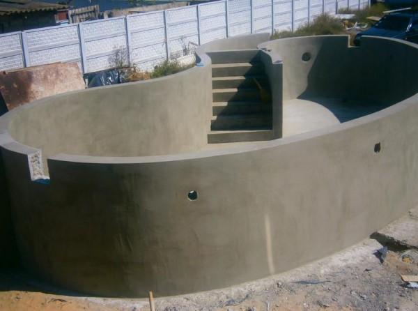 Бетонированная конструкция  для бассейна