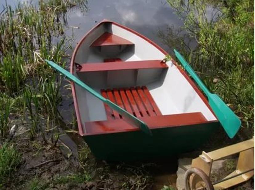 Лодка после испытания на прочность