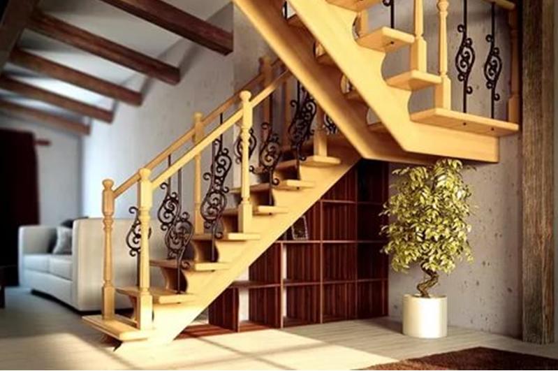 Прямая лестница зигзагообразной конструкции