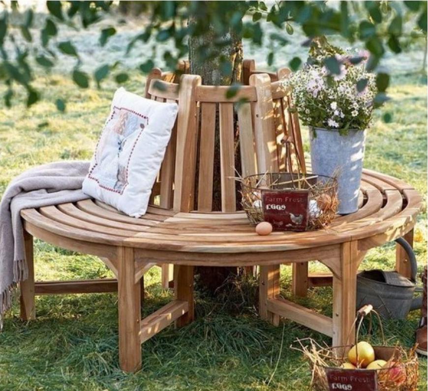 Кресло из деревянных реек