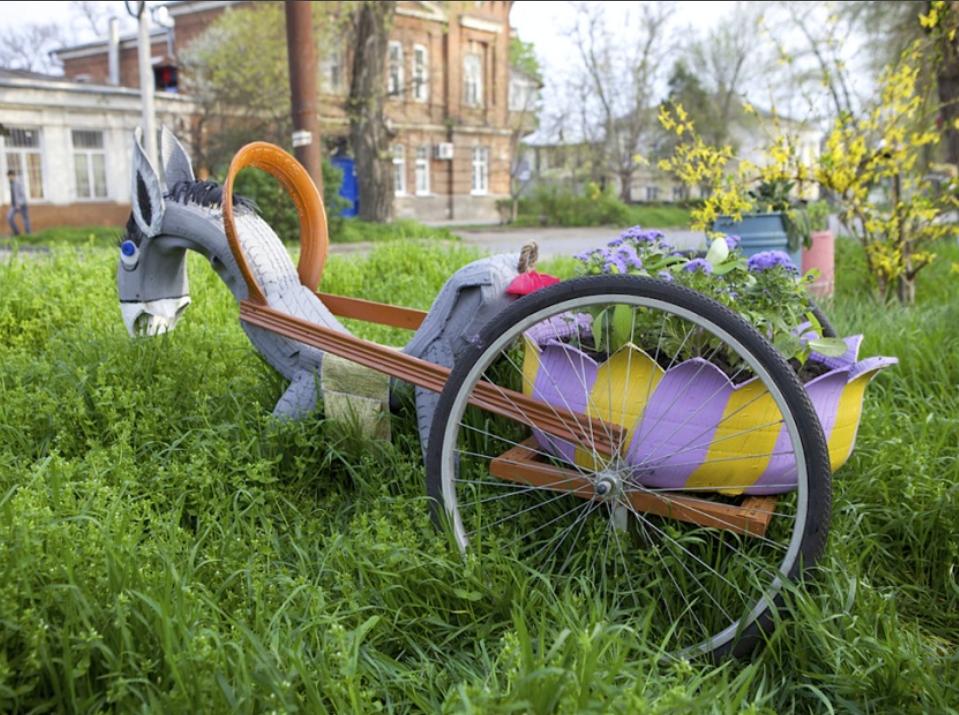 Инсталяция для цветов