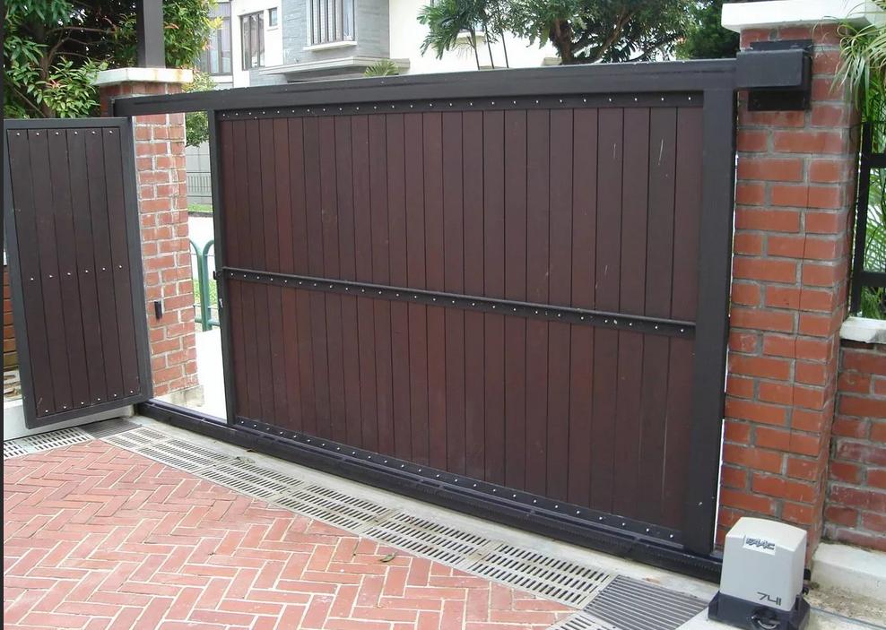 Калитка в воротах