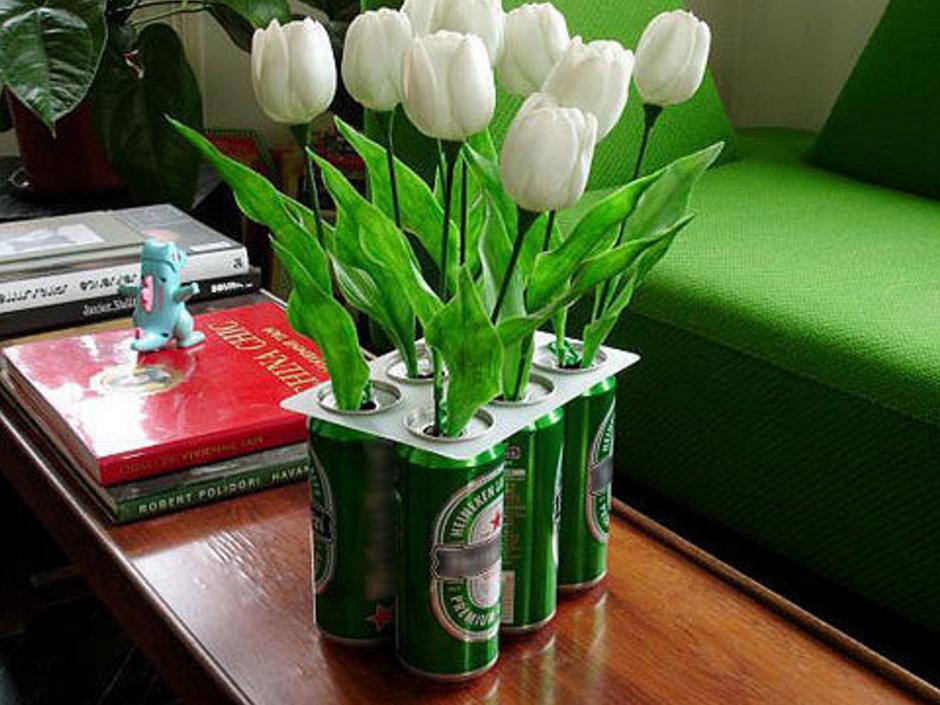 В качестве вазы