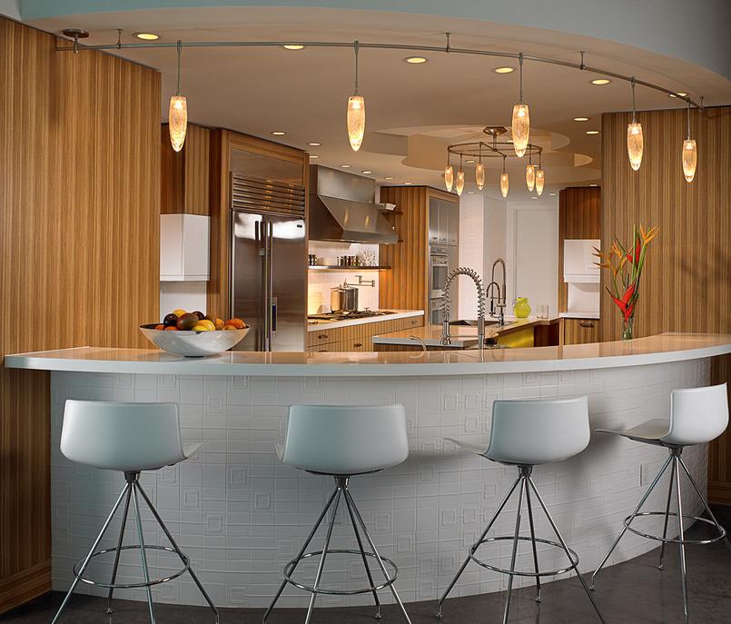 Барная стойка в большой кухне