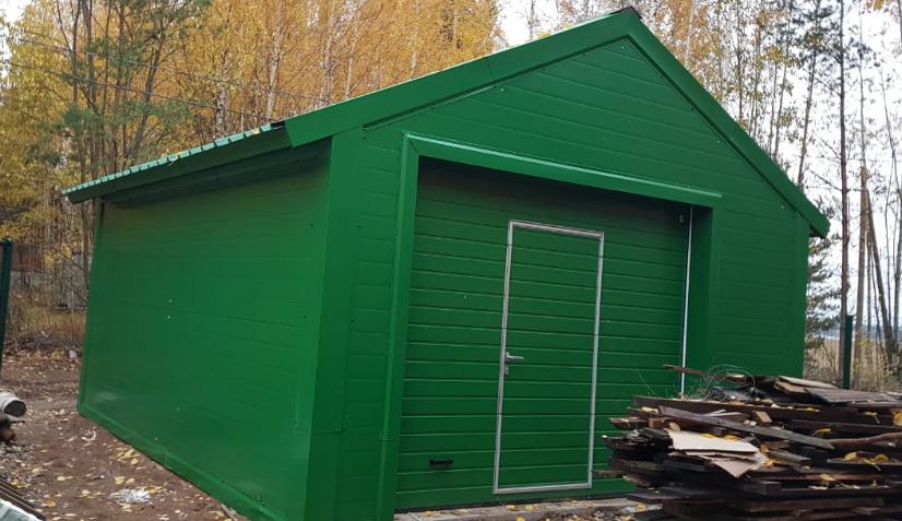 Зеленый небольшой гараж