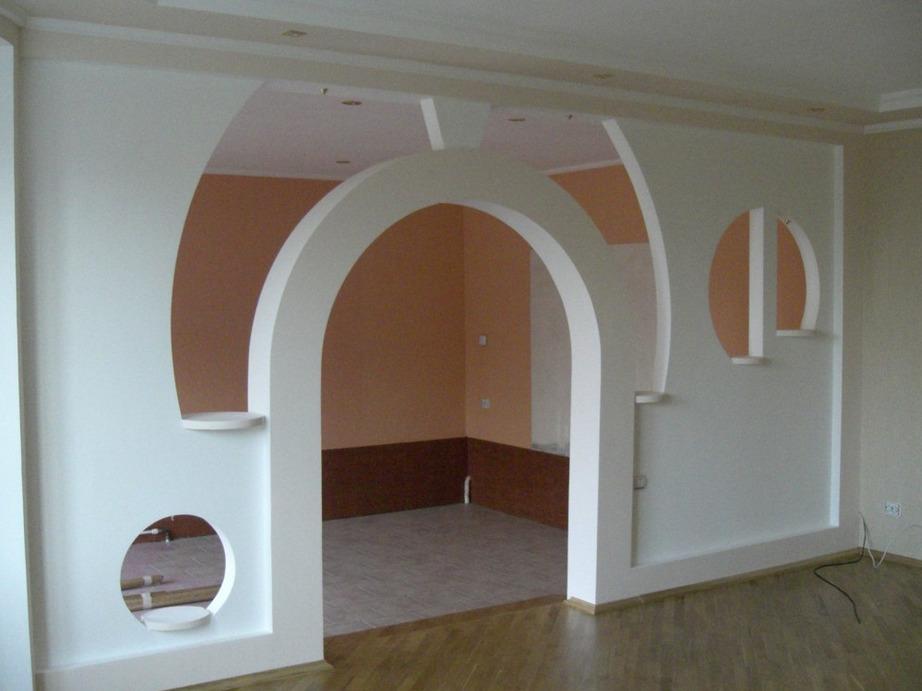 Стена с арочным проемом