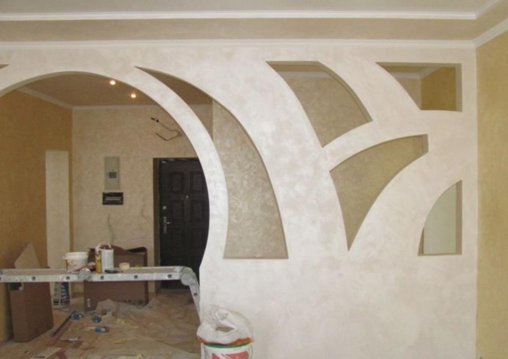 Стена между комнатами