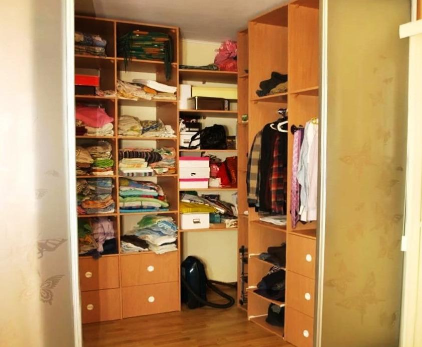 Гардеробная с покупными шкафами