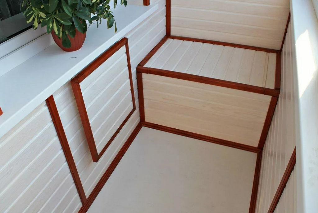 Вариант отделки балкона и шкафа