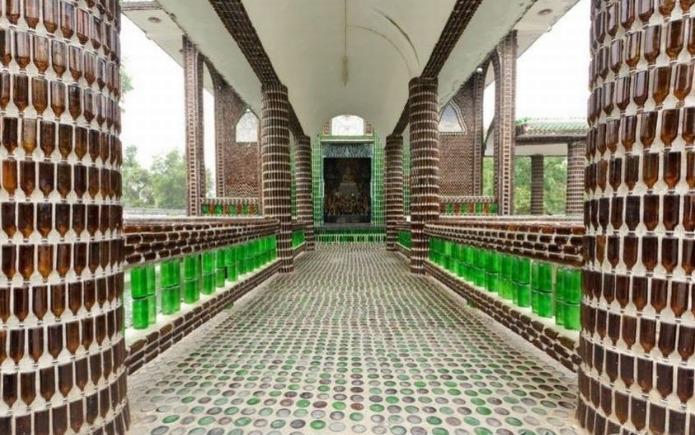 оформление дорожки из бутылок