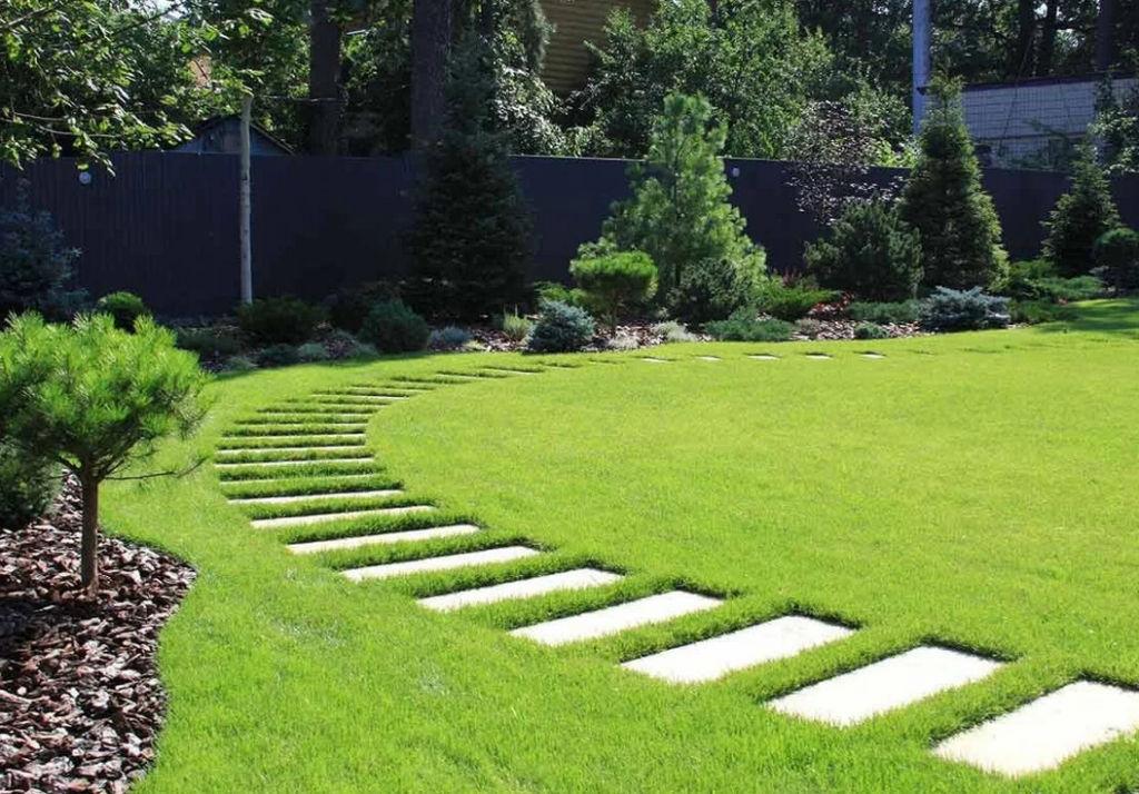 Чередование газон с дорожками