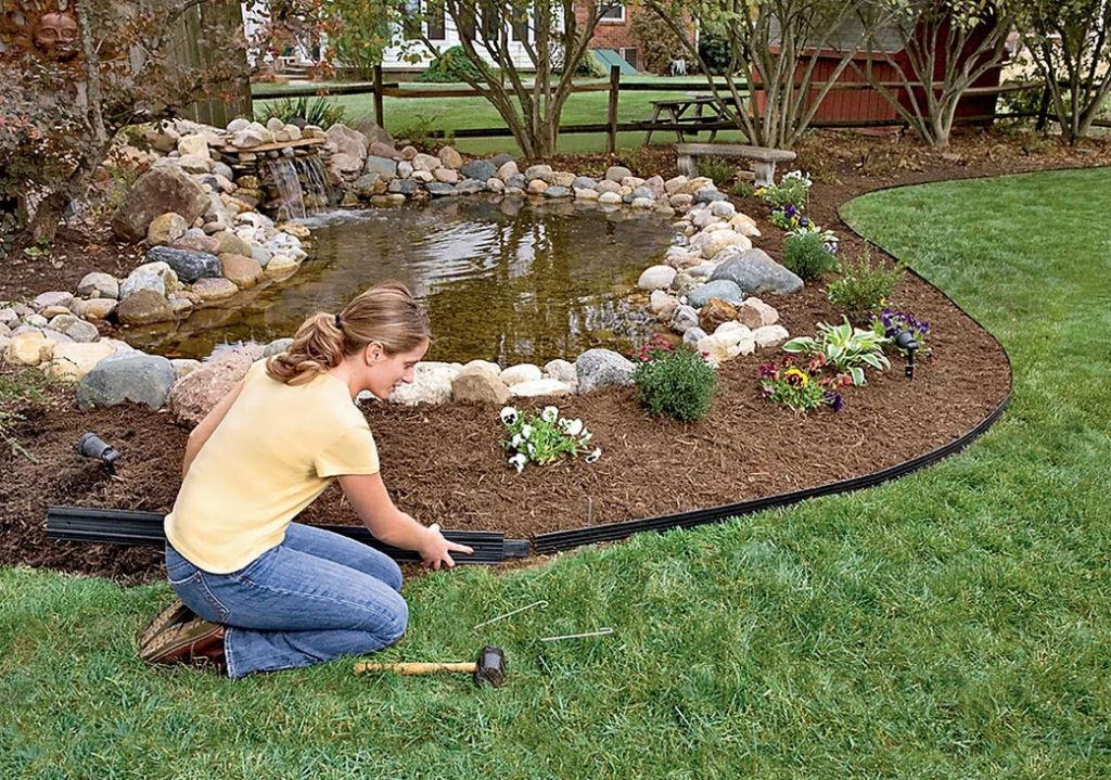 Комбинация газона и водоема