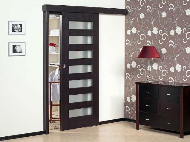 Дверь для спальни