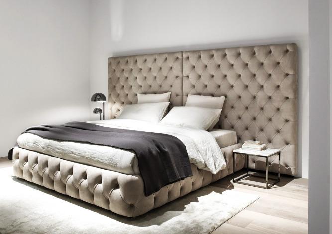 Отделка спинки кровати