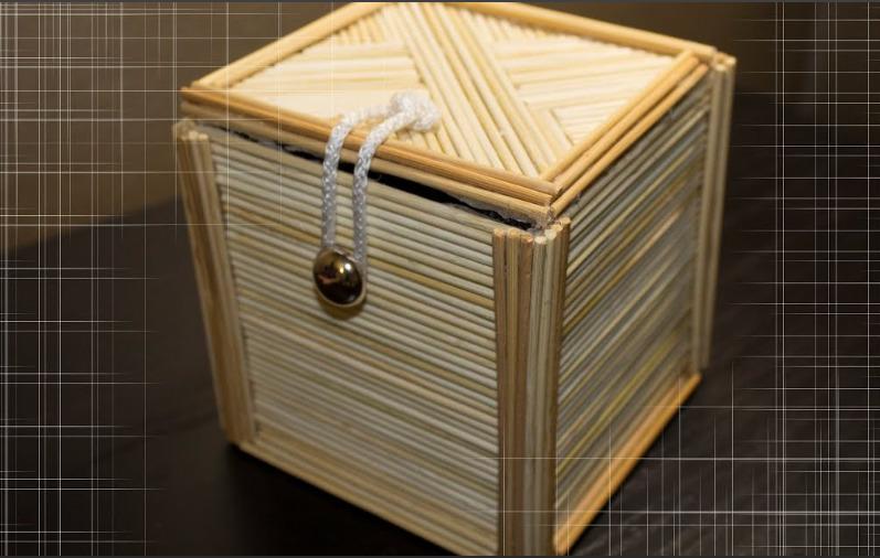 Шкатулка из бамбуковых палочек