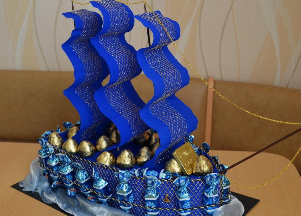 Конфетный корабль